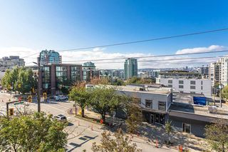 """Photo 17: 404 305 LONSDALE Avenue in North Vancouver: Lower Lonsdale Condo for sale in """"The Met"""" : MLS®# R2491734"""
