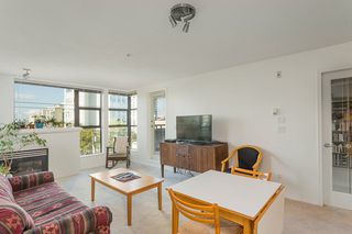 """Photo 2: 404 305 LONSDALE Avenue in North Vancouver: Lower Lonsdale Condo for sale in """"The Met"""" : MLS®# R2491734"""