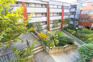 """Photo 19: 404 305 LONSDALE Avenue in North Vancouver: Lower Lonsdale Condo for sale in """"The Met"""" : MLS®# R2491734"""