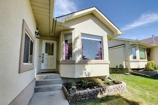 Photo 2: 165 Lakeside Greens Place: Chestermere Semi Detached for sale : MLS®# A1028449