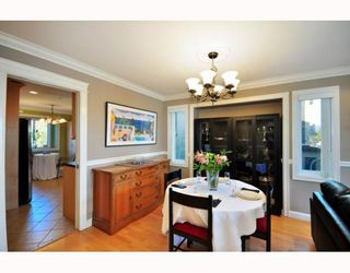 Photo 3: 4433 SOPHIA Street in Vancouver: Main House for sale (Vancouver East)  : MLS®# V800211