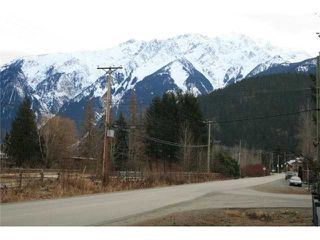 "Photo 8: 1490 HARROW Street in Pemberton: Pemberton WH House for sale in ""THE GLEN"" (Whistler)  : MLS®# V801402"
