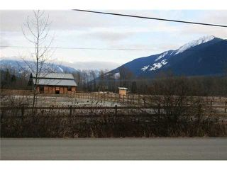 "Photo 7: 1490 HARROW Street in Pemberton: Pemberton WH House for sale in ""THE GLEN"" (Whistler)  : MLS®# V801402"