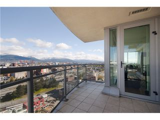 "Photo 9: 1901 120 MILROSS Avenue in Vancouver: Mount Pleasant VE Condo for sale in ""BRIGHTON"" (Vancouver East)  : MLS®# V821905"