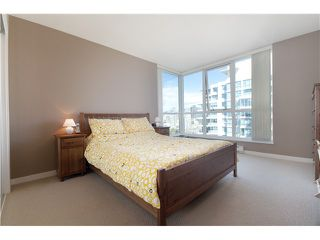 "Photo 7: 1901 120 MILROSS Avenue in Vancouver: Mount Pleasant VE Condo for sale in ""BRIGHTON"" (Vancouver East)  : MLS®# V821905"
