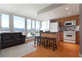 "Photo 4: 1901 120 MILROSS Avenue in Vancouver: Mount Pleasant VE Condo for sale in ""BRIGHTON"" (Vancouver East)  : MLS®# V821905"
