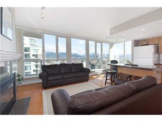 "Photo 3: 1901 120 MILROSS Avenue in Vancouver: Mount Pleasant VE Condo for sale in ""BRIGHTON"" (Vancouver East)  : MLS®# V821905"