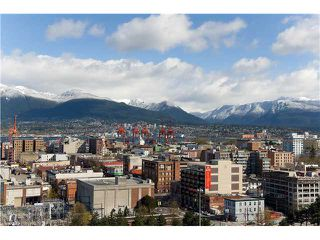 "Photo 1: 1901 120 MILROSS Avenue in Vancouver: Mount Pleasant VE Condo for sale in ""BRIGHTON"" (Vancouver East)  : MLS®# V821905"