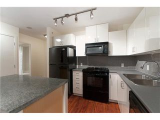 "Photo 5: 103 175 W 1ST Street in North Vancouver: Lower Lonsdale Condo for sale in ""TIME"" : MLS®# V854500"
