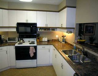 "Photo 4: 212 1236 W 8TH AV in Vancouver: Fairview VW Condo for sale in ""GALLERIA II"" (Vancouver West)  : MLS®# V596989"