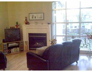 "Photo 3: 411 2655 CRANBERRY Drive in Vancouver: Kitsilano Condo for sale in ""NEW YORKER"" (Vancouver West)  : MLS®# V739015"