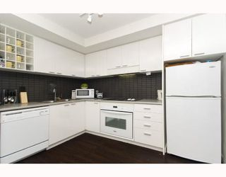 """Photo 6: 3009 668 CITADEL PARADE BB in Vancouver: Downtown VW Condo for sale in """"SPECTRUM 2"""" (Vancouver West)  : MLS®# V746032"""