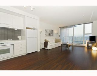"""Photo 4: 3009 668 CITADEL PARADE BB in Vancouver: Downtown VW Condo for sale in """"SPECTRUM 2"""" (Vancouver West)  : MLS®# V746032"""