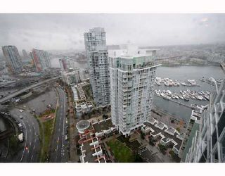 "Photo 7: 2906 193 AQUARIUS MEWS BB in Vancouver: False Creek North Condo for sale in ""MARINASIDE RESORT RESIDENCES"" (Vancouver West)  : MLS®# V746327"