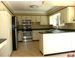 "Photo 4: 15260 KILDARE Drive in Surrey: Sullivan Station House for sale in ""SULLIVAN STATION"" : MLS®# F2900030"