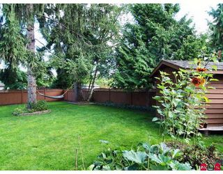 """Photo 10: 9330 207TH Street in Langley: Walnut Grove House for sale in """"Greenwood Estates"""" : MLS®# F2905711"""