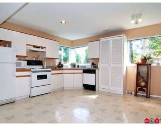 """Photo 9: 9330 207TH Street in Langley: Walnut Grove House for sale in """"Greenwood Estates"""" : MLS®# F2905711"""