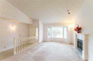 Photo 3: 2985 JULIAN Avenue in Coquitlam: Canyon Springs House for sale : MLS®# R2388303