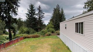 Photo 5: B7-920 Whittaker Road  |  Mobile Home For Sale
