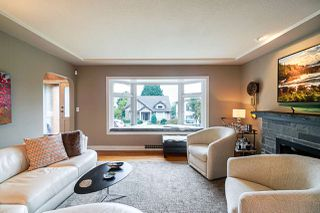 "Photo 2: 910 KENT Street in New Westminster: The Heights NW House for sale in ""Victory Heights"" : MLS®# R2407320"
