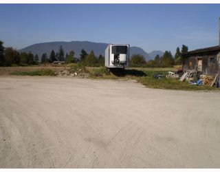 Photo 6: 18333 LOUGHEED Highway in Pitt Meadows: North Meadows House for sale : MLS®# V784055