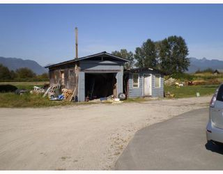 Photo 3: 18333 LOUGHEED Highway in Pitt Meadows: North Meadows House for sale : MLS®# V784055