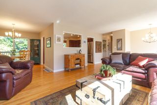 Photo 4: 3953 Margot Pl in : SE Maplewood House for sale (Saanich East)  : MLS®# 856689