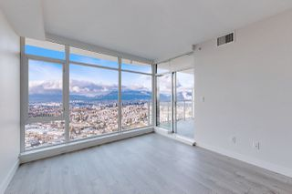 "Photo 1: 3506 1788 GILMORE Avenue in Burnaby: Brentwood Park Condo for sale in ""ESCALA"" (Burnaby North)  : MLS®# R2526157"
