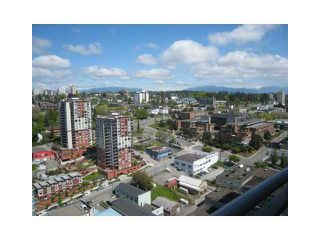 "Photo 8: 2107 898 CARNARVON Street in New Westminster: Downtown NW Condo for sale in ""AZURE AT PLAZA 88"" : MLS®# V835306"