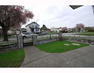Photo 7: 3403 E 26TH Avenue in Vancouver: Renfrew Heights House for sale (Vancouver East)  : MLS®# V762323