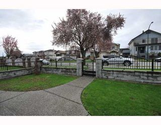 Photo 8: 3403 E 26TH Avenue in Vancouver: Renfrew Heights House for sale (Vancouver East)  : MLS®# V762323