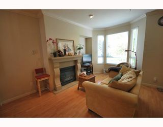 Photo 3: 489 W 46TH Avenue in Vancouver: Oakridge VW Townhouse for sale (Vancouver West)  : MLS®# V769159