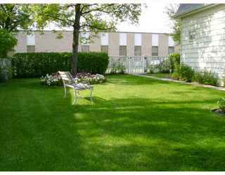 Photo 10: 477 BROOKLYN Street in WINNIPEG: St James Residential for sale (West Winnipeg)  : MLS®# 2818059