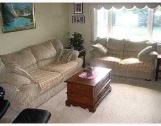 Photo 2: 117 POPLARWOOD Avenue in WINNIPEG: St Vital Residential for sale (South East Winnipeg)  : MLS®# 2914343