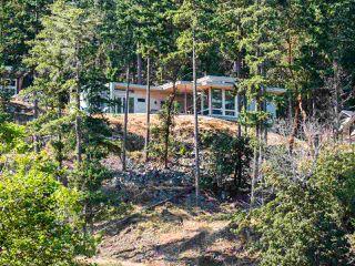 "Main Photo: 839 SEYMOUR BAY Drive: Bowen Island House for sale in ""Cowan Point"" : MLS®# R2394830"
