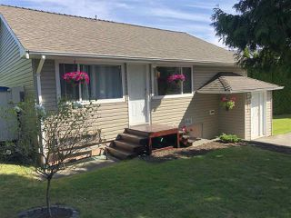 Photo 1: 5816 175 Street in Surrey: Cloverdale BC House for sale (Cloverdale)  : MLS®# R2399967