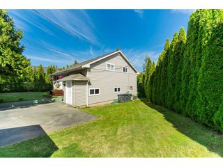 Photo 3: 5816 175 Street in Surrey: Cloverdale BC House for sale (Cloverdale)  : MLS®# R2399967