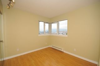"""Photo 6: 702 1833 FRANCES Street in Vancouver: Hastings Condo for sale in """"PANORAMA GARDENS"""" (Vancouver East)  : MLS®# V782136"""