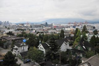 """Photo 10: 702 1833 FRANCES Street in Vancouver: Hastings Condo for sale in """"PANORAMA GARDENS"""" (Vancouver East)  : MLS®# V782136"""