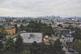 """Photo 8: 702 1833 FRANCES Street in Vancouver: Hastings Condo for sale in """"PANORAMA GARDENS"""" (Vancouver East)  : MLS®# V782136"""