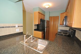 """Photo 2: 702 1833 FRANCES Street in Vancouver: Hastings Condo for sale in """"PANORAMA GARDENS"""" (Vancouver East)  : MLS®# V782136"""