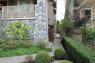 Photo 2: 2508 W 8th Avenue in Vancouver: Kitsilano Townhouse for sale (Vancouver West)  : MLS®# R2400581