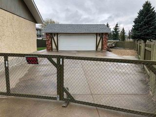 Photo 2: 12219 147 Avenue in Edmonton: Zone 27 House for sale : MLS®# E4196905