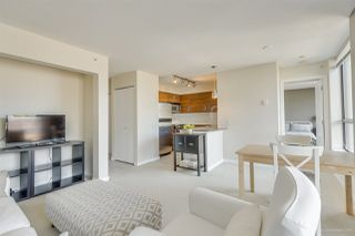"""Photo 9: 702 833 AGNES Street in New Westminster: Downtown NW Condo for sale in """"THE NEWS"""" : MLS®# R2482386"""