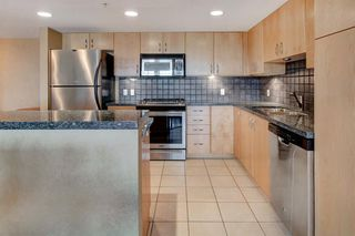 Photo 6: 1001 1088 6 Avenue SW in Calgary: Downtown West End Apartment for sale : MLS®# A1018877