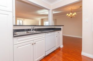 Photo 9: 302 9900 Fifth St in : Si Sidney North-East Condo for sale (Sidney)  : MLS®# 854297