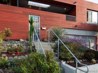 Photo 3: OCEAN BEACH House for sale : 2 bedrooms : 2245 Etiwanda St in San Diego
