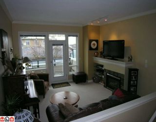 "Photo 4: 3 15161 PROSPECT Avenue: White Rock Townhouse for sale in ""Ocean Wynd"" (South Surrey White Rock)  : MLS®# F1002733"