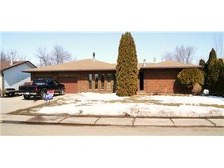 Photo 2: 524 Wilken Crescent: Warman Single Family Dwelling for sale (Saskatoon NW)  : MLS®# 386510