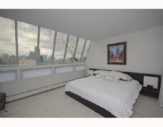 """Photo 7: 2403 1020 HARWOOD Street in Vancouver: West End VW Condo for sale in """"THE CRYSTALLIS"""" (Vancouver West)  : MLS®# V732981"""
